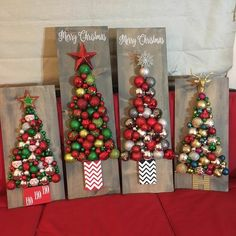Noel Christmas, Christmas Signs, Christmas 2019, Pallet Christmas, Christmas Tree Crafts, Xmas Trees, Christmas Cactus, Christmas Porch, Farmhouse Christmas Ornaments Diy