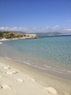 Incredbly The beaches near Calvi Places To Travel, Travel Destinations, Places To Go, Calvi Corsica, Camping Corse, Sea Photo, Paradise On Earth, Sea Waves, Beach Scenes