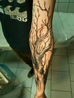 50 Oak Tree Tattoo Designs For Men - Leaves And Acorns Chilling Black Oak Tree Tattoo On Forearms Men Dead Tree Tattoo, Tree Sleeve Tattoo, Back Tattoo, Sleeve Tattoos, Tree Tattoos, Tattoo Forearm, Acorn Tattoo, Deer Tattoo, Raven Tattoo