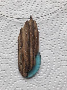 Treibholz mit Seeglas Driftwood Jewelry, Driftwood Crafts, Wooden Jewelry, Sea Glass Jewelry, Wooden Beads, Stone Jewelry, Wire Jewelry, Jewelry Art, Beaded Jewelry