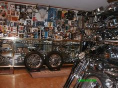 Place to find all your Motorcycle Accessories and other essential motorcycle parts. Harley Davidson Parts Store online at harley-davidson-accessories.com.
