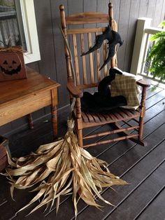 S Crosbie Fall 2017 Halloween Trees, Halloween Stuff, Fall Halloween, Halloween Decorations, Halloween Party, Porch Decorating, Decorating Ideas, Farmhouse Halloween, Primitive Pumpkin