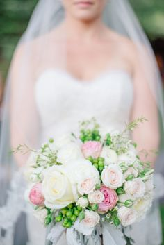 Ivory Pink Green Bouquet | photography by http://www.kateholstein.com