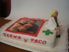 Tarta para el cumpleaños de una farmacéutica y su padre! Regalo de su novio, con foto comestible y muñeco 3D en fondant personalizado!