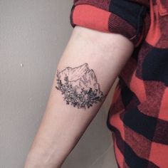 Mountain tattoos represent hurdles in life that must be overcome. Usually mount Mountain Tattoos, Mountain Sleeve Tattoo, New Tattoos, Body Art Tattoos, Memory Tattoos, Insane Tattoos, Boho Tattoos, Tatoos, Mermaid Tattoos