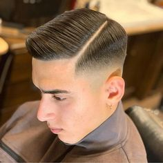 Teenage Boy Hairstyles, Cool Hairstyles For Men, Hairstyles Haircuts, Great Haircuts, Haircuts For Men, Curly Hair Men, Curly Hair Styles, Skin Fade Hairstyle, Long Hair Fade