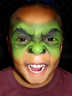 Make Hulk costume yourself - maquillage Hulk Face Painting, Superhero Face Painting, Monster Face Painting, Face Painting For Boys, Face Painting Designs, Body Painting, Boy Face, Child Face, Halloween Karneval