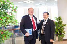 Corporate Portraits   Sciaroni (Sciaroni & Associates) with In Channy (ACLEDA Bank CEO)