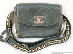 CHANEL VINTAGE GREEN QUILTED STITCHED 2.55 BELT PURSE