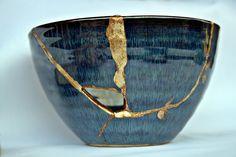 Kintsugi Planet: BROKEN AND REPAIRED ... KINTSUGI INSPIRATION! Chawan, Kintsugi, Ceramic Bowls, Wabi Sabi, Matcha, Hand Painted, Ceramics, Tableware, Gold