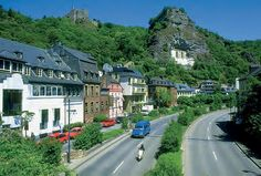 Die Sehenswürdigkeiten in Idar-Oberstein Family Roots, Old And New, South America, Past, Places To Visit, Germany, Street View, River, Mansions
