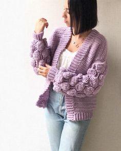 Ravelry: Balloon Sleeves Sweater pattern by Safaa Amin Chunky Knit Cardigan, Crochet Cardigan Pattern, Crochet Jacket, Knit Crochet, Crochet Hats, Oversized Cardigan, Knitting Patterns Free, Crochet Patterns, Stylish Winter Outfits