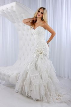 Sweetheart trumpet / mermaid ruffle organza bridal gown