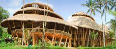 Green School Bali im offenen Bambusgebäude studieren = saugeil, is aber leider nur ne schule :(