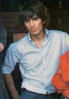 George Harrison at Reed Pigman's ranch during The Beatles' day off on their 1964 North American tour, Alton, Missouri, 19 September 1964 George Harrison, Patti Harrison, The Beatles, Beatles Photos, Beatles Art, Liverpool, Ringo Starr, Pop Rock, Rock And Roll