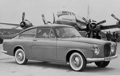 Het is denk ik de volvo P179 concept. uit 1952. Bedoeld als P1900 maar ging niet in productie. Het was gebaseerd op de PV444. Later in 1956 is er nog wel een beperkte oplage in productie gegaan als p1900 roadster.
