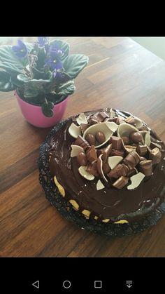 Mangotuorejuustokakku, suklaalla