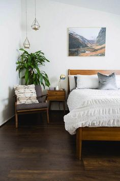 Surprising mid century modern rustic bedroom you'll love