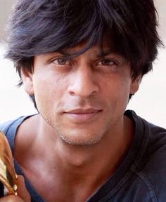What a look.. Amazing SRK
