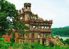 Banner man Castle New York Pellipel Island