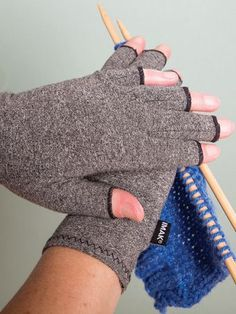 Arthritic Therapy Gloves For Men and Women - Ease Arthritic Hands and Fingers