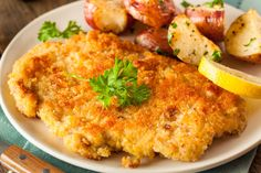 Pork Schnitzel on the grill over hot charcoal, comes out perfect like deep-fried Wiener Schnitzel, Pork Schnitzel, Breaded Pork Chops, Chicken Cutlets, Baked Pork, Veal Chop, Sauteed Kale, Jewish Recipes, German Recipes