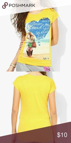 T shirt womens (new without tags ) Upgrade your wardrobe with this yellow coloured t-shirt. Made of 100% cotton, this T-shirt for women is super comfortable to wear all day long. This printed top will stay soft against your skin. Tops Tees - Short Sleeve