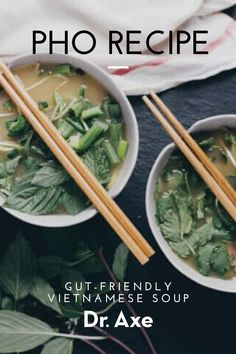 This gut-friendly vietnamese soup is one of my favorites becuase of it's immune-supporting properties. Pho Broth, Beef Bone Broth, Soup Recipes, Cooking Recipes, Healthy Recipes, How To Make Pho, Vietnamese Soup, Pho Recipe, Beef Bones