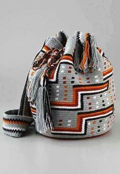 Marvelous Crochet A Shell Stitch Purse Bag Ideas. Wonderful Crochet A Shell Stitch Purse Bag Ideas. Crochet Diy, Love Crochet, Crochet Crafts, Tapestry Bag, Tapestry Crochet, Crochet Handbags, Crochet Purses, Crochet Bags, Purse Patterns