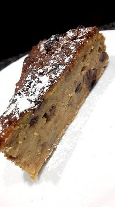 Verkruimel het brood in ee Dutch Recipes, Baking Recipes, Sweet Recipes, Cake Recipes, No Cook Desserts, Sweet Desserts, Delicious Desserts, Yummy Food, Surprise Recipe