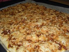 Holy macaroni!: Hjemmelaget pizza med kjøttdeig Regular Pizza, Best Cheese, Pizza Dough, Red Peppers, Pepperoni, Junk Food, Lasagna, Holi, Macaroni And Cheese