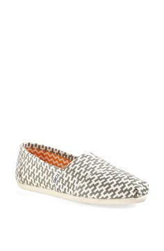 Cute grey geometric print Toms.