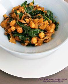 Curry de garbanzos con berenjenas, espinacas y champiñones