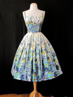 Sweet Vintage Summer Floral Dress