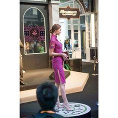 瑞士名錶英納格,情繫中國80年鐘錶展show Mary Yu 贊助旗袍 #香港會展#maryyucouture#maryyu#qipao#springlook#fashion#chinesewear#852shop#asianstyle#chinesetraditional#hkdesign#旗袍