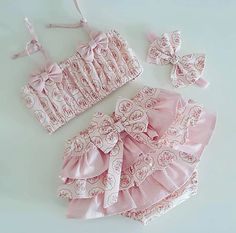 Baby Boy Dress, Little Girl Dresses, My Baby Girl, Toddler Dress, Baby Girl Fashion, Kids Fashion, Baby Bloomers Pattern, Baby Crib Diy, Newborn Baby Dolls