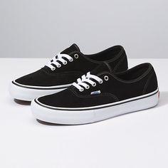 Vans Sneakers, Vans Shoes Kids, Tenis Vans, Converse, Sock Shoes, Cute Shoes, Shoe Boots, Ankle Boots, Big Men Fashion