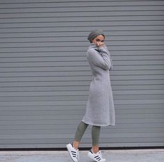 Sporty hijab style - Street styles hijab looks… Hijab Look, Hijab Wear, Hijab Outfit, Turban Outfit, Turban Fashion, Islamic Fashion, Muslim Fashion, Modest Fashion, Fashion Outfits