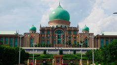 Perdana Putra is the Prime Minister's Office in Malaysia. The structural design is influenced by Malay, Islamic and European cultures as such Palladian and Neoclassicism.