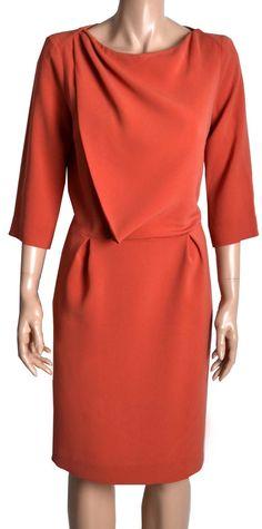 Ik geloof dat ik je graag in oranje zie;-) Je moet een beetje geluk hebben, misschien past ie net goed. Mooi ontwerp voor jou Peplum Dress, Wrap Dress, Geluk, Tara Jarmon, Net, Orange Dress, Stylish, Inspiration, Dresses