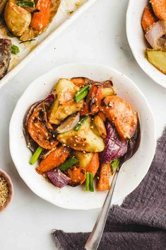Miso Glazed Roasted Root Vegetables are the perfect accompaniment to any fall meal or holiday side dish. Easy oil free roasted root vegetables paired with a umami sweet vegan miso glaze. Oven Vegetables, Roasted Root Vegetables, Eating Vegetables, Veggies, Foods For Healthy Skin, Healthy Side Dishes, Healthy Eating, Clean Recipes, Whole Food Recipes