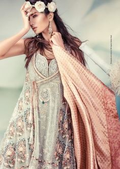unique Pakistani wedding gown design - wow - take my breath away - caprure her heart your future bride - sexy and elegant style that expresses her attitude - #Thejewelryhut