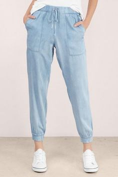 More Tierras Inspo, patch pockets + crop and taper legs.  Cool Girl Chambray Joggers