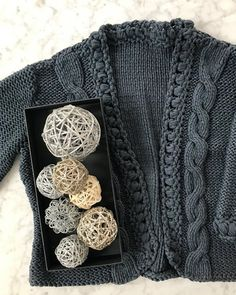 "55 Likes, 8 Comments - Style By Sunita (@stylebysunita) on Instagram: ""Knit Pearl Repeat ❤️ When you #dowhatyoulove it shows. #handknit #sweaterweather #lanagrossa…"""