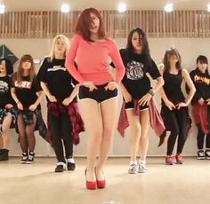 Hyosung asks for a 'Good-night Kiss' in dance practice video.  #hyosung #secret #goodnightkiss #practice #dance #secrethyosung #kpopmap