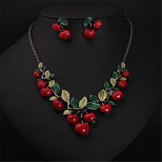 Nueva Llegada de La Manera Exquisita Lindo Rojo Cereza Collar Y Pendientes de Gota de la Aleación de la Joyería Fija Declaración de Moda para las mujeres
