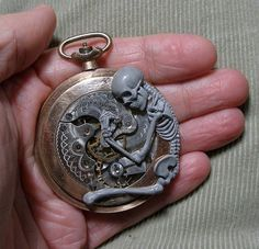 Check out these awesome sculptures from NJ artist, Susan Beatrice of All Natural Arts. Using vintage watches, jewelry, stones, and other found objects, each piece is created strictly from natural and repurposed elements. via Susan Beatrice Via riotdaily.com