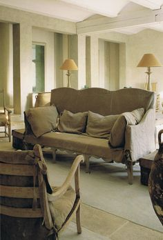 Beautiful heavy linen slipcover on French antique sofa - Trouvais