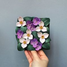 Floral tile with trilliums and pansies for a commission. 🌱 It's my first try on both these flowers and I am looking forward to experiment more with them. 🙆 . . . #paperart #paperflowers #paper_to_petal #paperflorist#plantlady #trillium #pansy #dsfloral #flowergram #loveflowers #flowerpower #inspiredbypetals #mymomentwithflowers #undertheflowerspell #floralfix #plantstagram #instabloom #thebotanicalseries #botanicalart #botanicalillustration #botanicalpickmeup #botanicaldreamers…