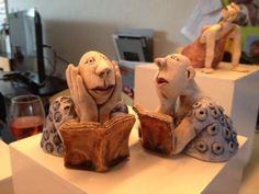 keramiek Reading And Pondering, By Simone Bekken ~ Whimsical Figures Pottery Sculpture, Sculpture Clay, Soft Sculpture, Ceramic Figures, Clay Figures, Ceramic Art, Biscuit, Sculptures Céramiques, Creta